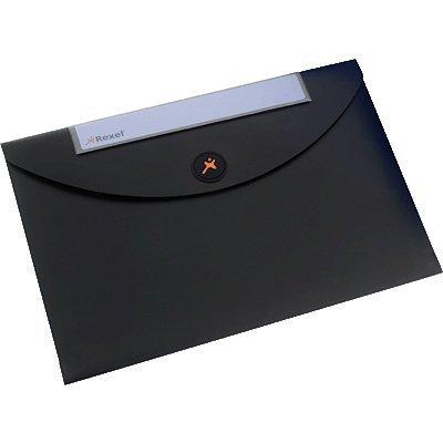 Конверт для документов Rexel Optima, A4, черная (5шт.) (2102477) (2102477)Папки канцелярские Rexel<br>Если вам необходимо хранить или переносить до 50 листов, то вам идеально подойдет стиль конверта для документов. Эта легко моющаяся пластиковая папка надежно противостоит повседневному износу, в том числе и проливному дождю, гарантируя целость и сохранность бумаг. Конверт для документов открывается  ...<br>