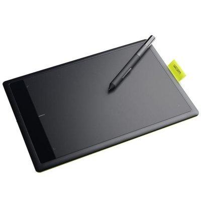 Графический планшет Wacom One by Wacom S желтый (CTL-471 Y)Графические планшеты Wacom<br>Чувствительный к нажатию наконечник пера с 1024 уровнями давления<br>    Не требующее батареек эргономичное перо с двумя кнопками<br>    Удобное хранение в прилагаемом держателе пера<br>    Подходит для правшей и левшей<br>    2 года гарантии<br>