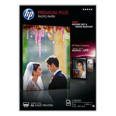 Фотобумага HP НР CR674A Глянцевая высшего качества, А4, 50 листов, 210 x 297 мм (CR674A)Фотобумага HP<br>Глянцевая фотобумага HP CR674A позволяет получать цветные качественные снимки формата A4. Она имеет стойкость к выцветанию, смазыванию отпечатка и воздействию воды. Бумага предназначена для струйной печати.<br>