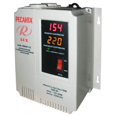 Стабилизатор Ресанта АСН-1000 Н/1-Ц Ресанта Lux (63/6/14)Стабилизаторы Ресанта<br>Ресанта АСН- 1 000 Н2/1-Ц 63/6/13- стабилизатор напряжения, оснащенный цифровым дисплеем, который отображает основные параметры работы. Устройство отключает нагрузки при превышении допустимой мощности и предельного значения входного тока. Ресанта АСН- 1 000 Н2/1-Ц 63/6/13 сделает работу бытовых приб ...<br>