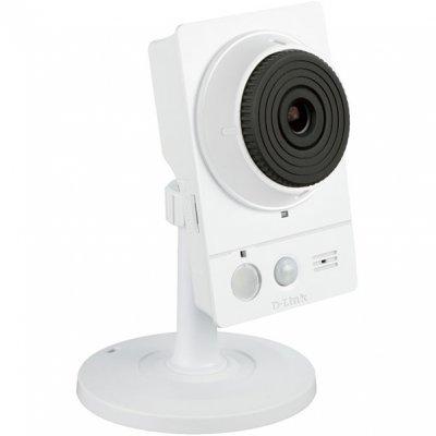 Камера видеонаблюдения D-Link DCS-2136L (DCS-2136L/RU/A1A)Камеры видеонаблюдения D-Link<br>Wireless Day/Night Camera with Color Night Vision<br>