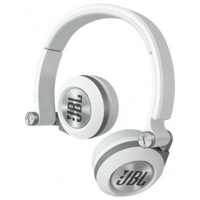 Наушники JBL Synchros E30 белый (E30WHT)Наушники JBL<br>накладные наушники с микрофоном<br>поддержка iPhone<br>импеданс 32 Ом<br>чувствительность 114 дБ/мВт<br>диаметр мембраны 30 мм<br>разъём mini jack 3.5 mm<br>складная конструкция<br>