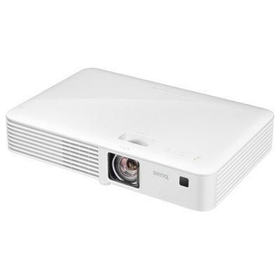 Проектор BenQ CH100 (9H.JF177.19E)Проекторы BenQ<br>портативный широкоформатный проектор<br>технология DLP<br>поддержка HDTV<br>разрешение 1920x1080 (Full HD)<br>световой поток 1000 лм<br>контрастность 100000:1<br>подключение по VGA (DSub), HDMI<br>вывод изображения с USB-флэшек<br>вес 2.5 кг<br>
