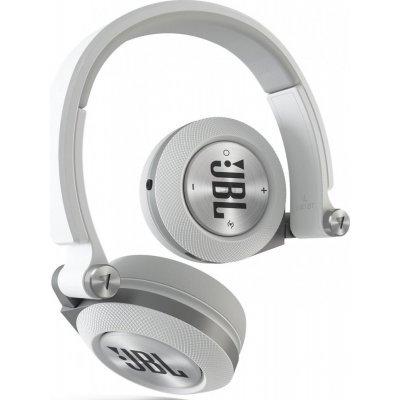 Bluetooth-гарнитура JBL E40BT белый (E40BTWHT)Bluetooth-гарнитуры JBL<br>Наушники беспроводные E40BT, 32 Ом, белые<br>