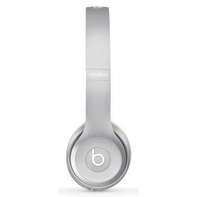 Bluetooth-гарнитура Beats Solo2 Wireless серебристый (MKLE2ZE/A)Bluetooth-гарнитуры Beats<br>тип соединения: беспроводные bluetooth; акустический тип: закрытые; тип амбушюр: накладные<br>