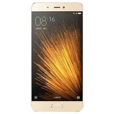 Смартфон Xiaomi Mi 5 64Gb золотистый (Mi 5 64Gb Gold)Смартфоны Xiaomi<br>смартфон, Android 6.0<br>поддержка двух SIM-карт<br>экран 5.15, разрешение 1920x1080<br>камера 16 МП, автофокус<br>память 64 Гб, без слота для карт памяти<br>3G, 4G LTE, LTE-A, Wi-Fi, Bluetooth, NFC, GPS, ГЛОНАСС<br>объем оперативной памяти 3 Гб<br>аккумулятор 3000 мА/ч<br>вес 129 г, ШxВxТ 69.20x144.60x7.30 мм<br>
