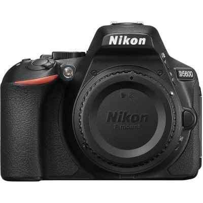 Цифровая фотокамера Nikon D5600 18-105 VR AF-S (VBA500K003) фотоаппарат nikon d3400 black kit 18 105 vr 24 7mp 3 lcd