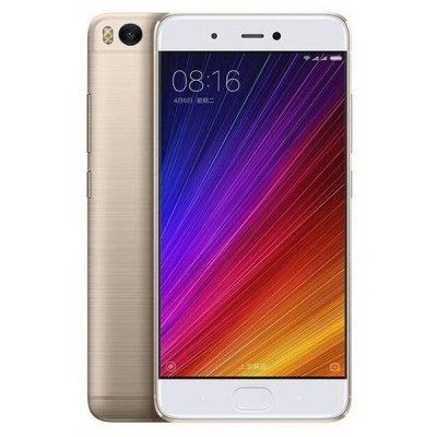 Смартфон Xiaomi MI5S 64GB золотистый (MI5S64GBGL)Смартфоны Xiaomi<br>смартфон, Android 6.0<br>поддержка двух SIM-карт<br>экран 5.15, разрешение 1920x1080<br>камера 12 МП, автофокус, F/2<br>память 64 Гб, без слота для карт памяти<br>3G, 4G LTE, LTE-A, Wi-Fi, Bluetooth, NFC, GPS, ГЛОНАСС<br>объем оперативной памяти 3 Гб<br>аккумулятор 3200 мА/ч<br>вес 145 г, ШxВxТ 70.30x145.60x8.25 мм<br>