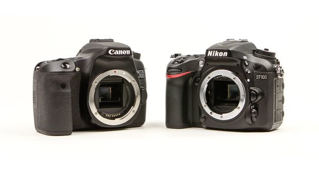Canon-70D-vs-Nikon-D7100-main